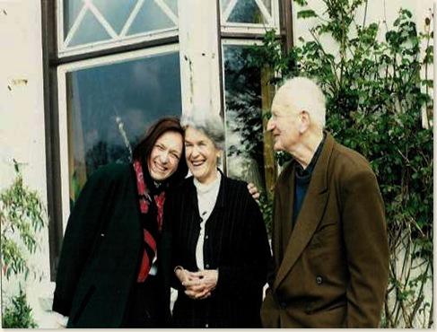 M. Vasalis met echtgenoot en kennis