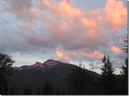 09-02-07 Mt. Pilchuck and sunlit clouds 011